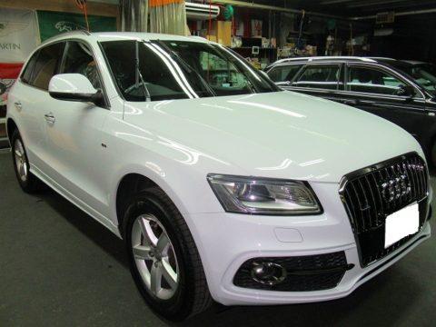 Audi アウディ Q5 2.0TFSIクワトロSラインパッケージ4WD 磨き&ガラスコーティング&オプション施工終了