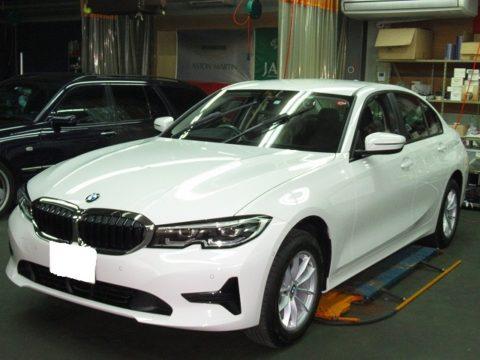 BMW ビーエムダブリュー 320i 磨き&ガラスコーティング&オプション施工終了
