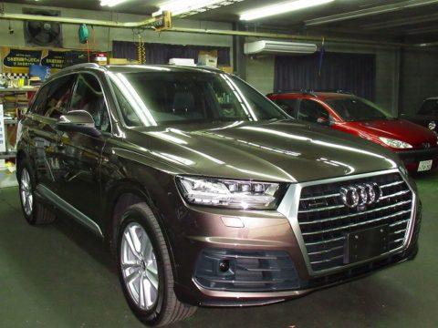 Audi アウディ Q7  55  TFSI  quattro Sライン 磨き&コーティング&オプション施工終了