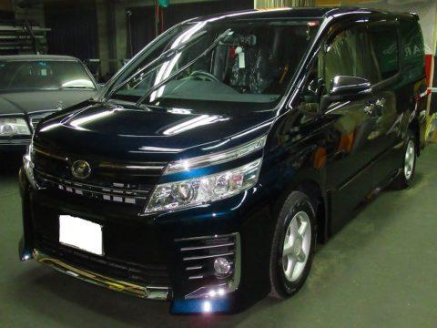 TOYOTA トヨタ ヴォクシー 2.0ZS煌Ⅱ 4WD 磨き&ガラスコーティング施工終了