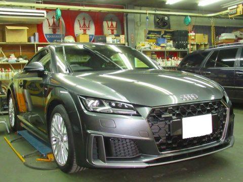 Audi アウディ TT Coupé 45 TFSI quattro S tronic Sライン磨き&ガラスコーティング&オプション施行終了