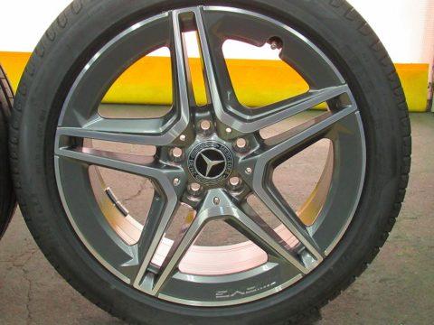 Mercedes-Benz  メルセデスベンツ  A180 スポーツ用 ホイルガラスコーティング施工終了